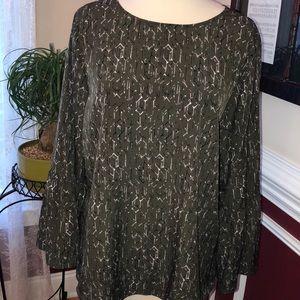 Apt 9 olive print bell sleeve blouse sz XL